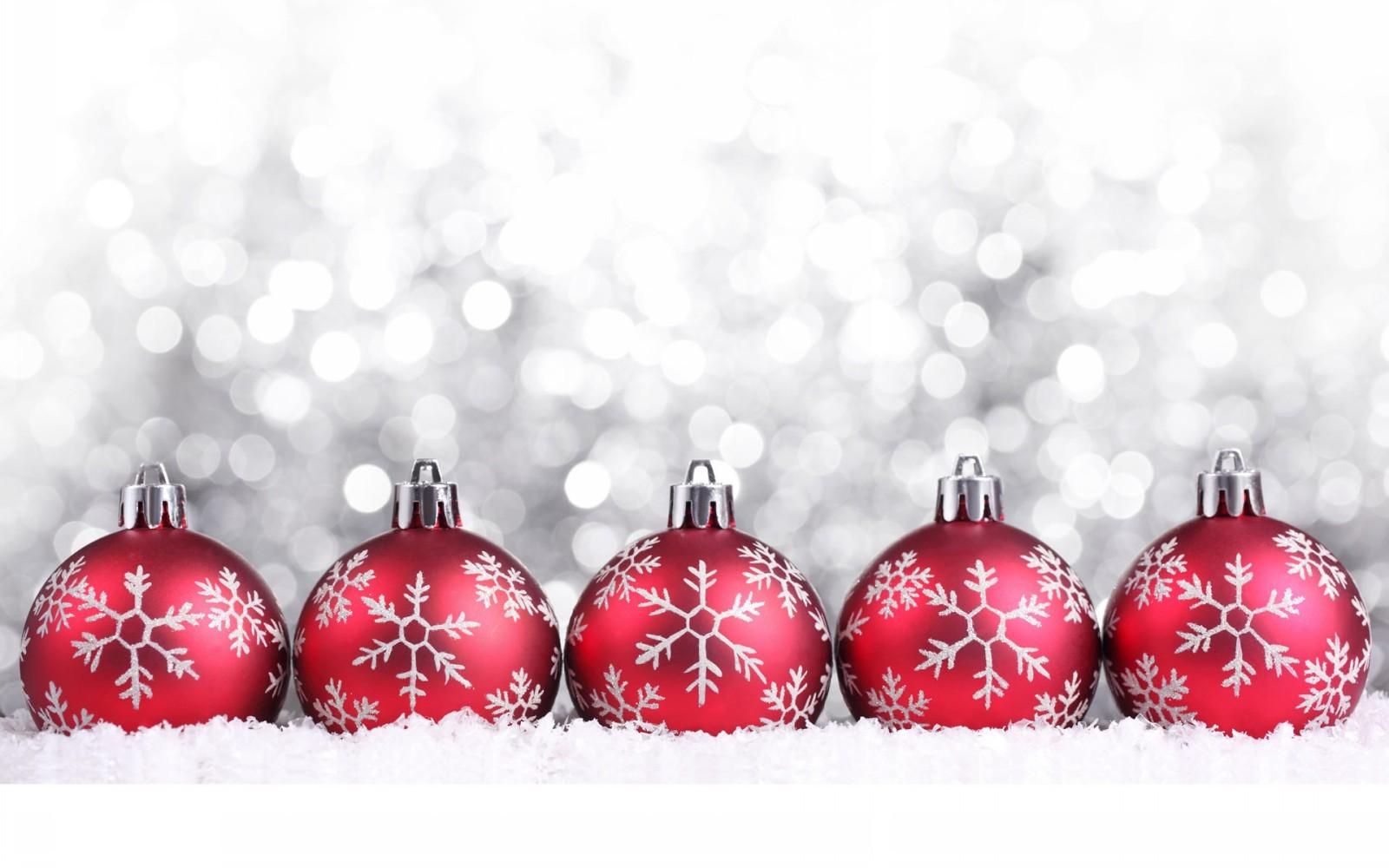 Christmas-Decorations-Snow-HD-Wallpaper